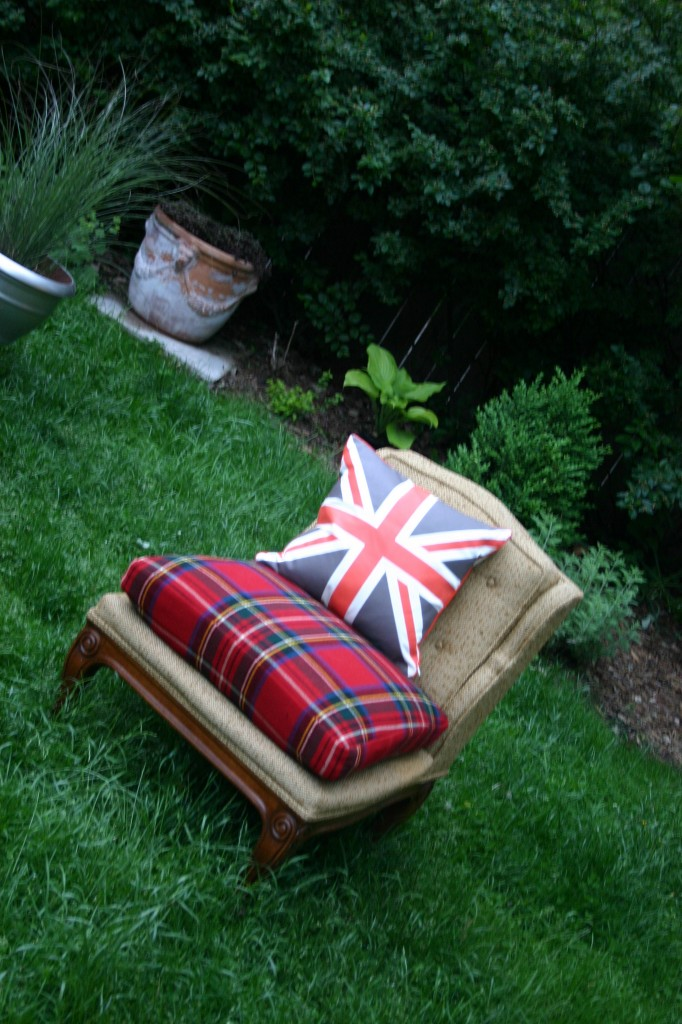 I love tartan plaids, so when I saw this tweed slipper chair at a rummage sale I decided to leave the body as is and just recover the seat cushion. I chose to work with a tartan blanket and add on my favorite Union Jack pillow.