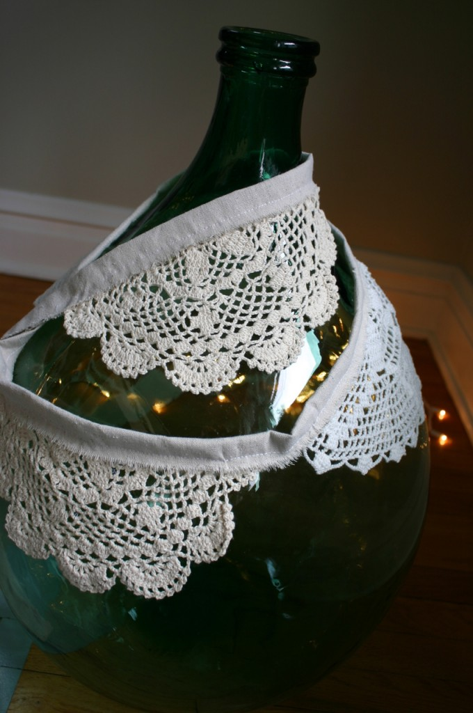 Doily craft for Christmas from Family Chic.