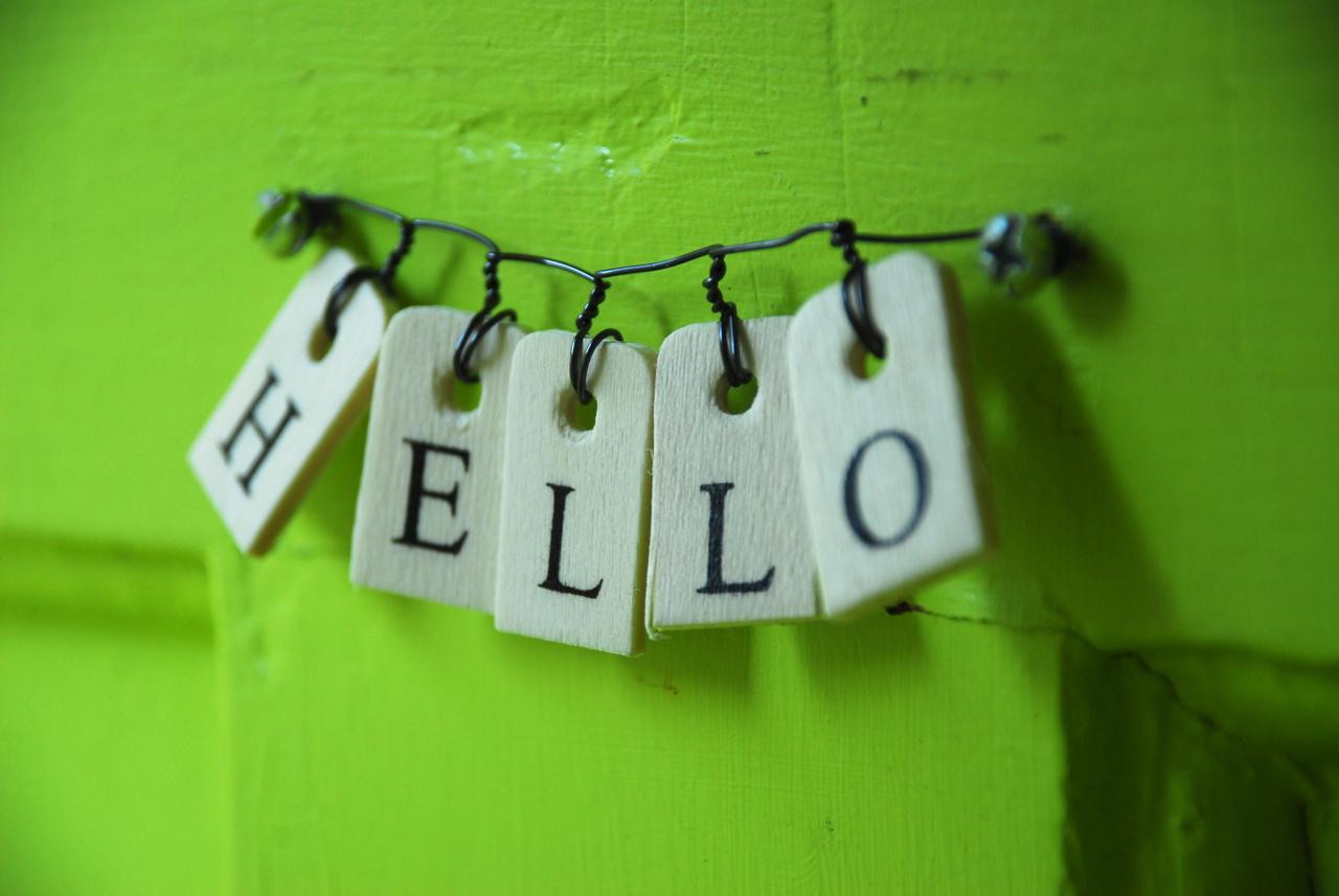 Hello Sign | Family Chic by Camilla Fabbri ©2009-2018. All ...  Hello Sign | Fa...