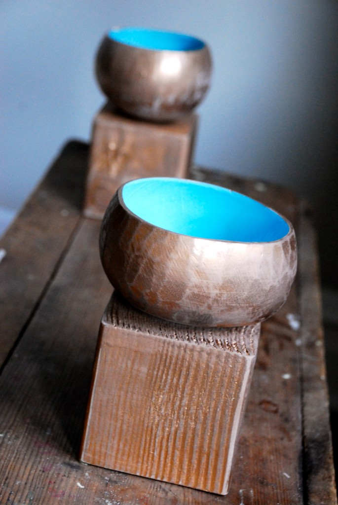 Foot coconut bowls - family chic