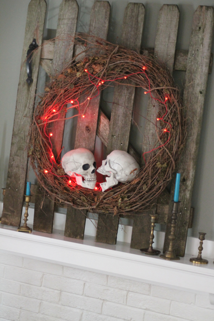 family chic halloween mantel 2