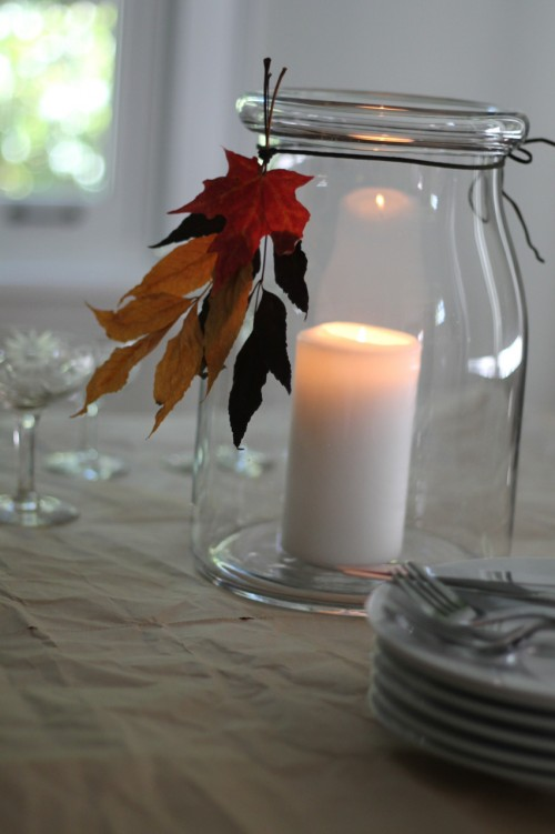 Add the natural colors of autumn to your holiday table with this quick tip.